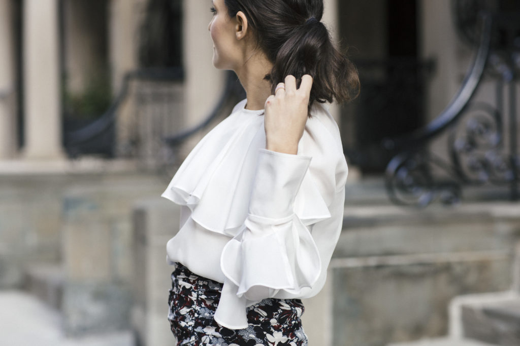 Corporate style blogger That Pencil Skirt wearing a Veronica Beard ruffle blouse
