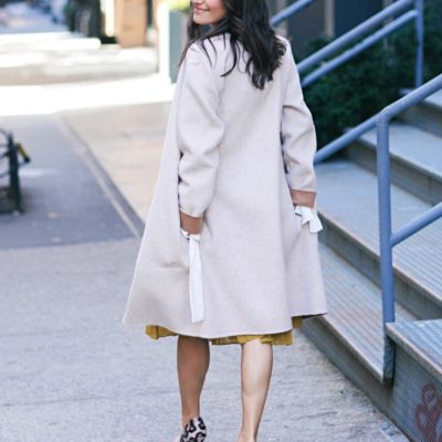 Work style blogger That Pencil Skirt wearing a Theory 2.0 reversible jacket and Sergio Rossi pumps