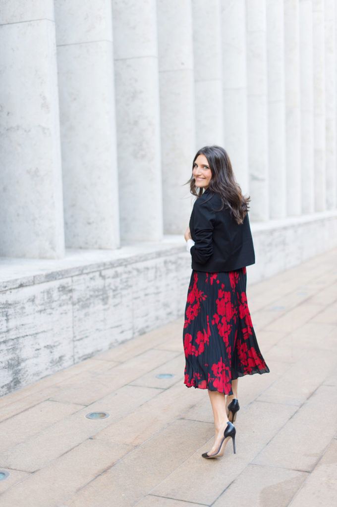 2ba432f68a Lifestyle and work wear inspiration blogger That Pencil Skirt wearing a H&M  red and navy pleated